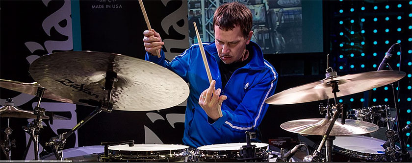 Keith Carlock - DRUMMERWORLD