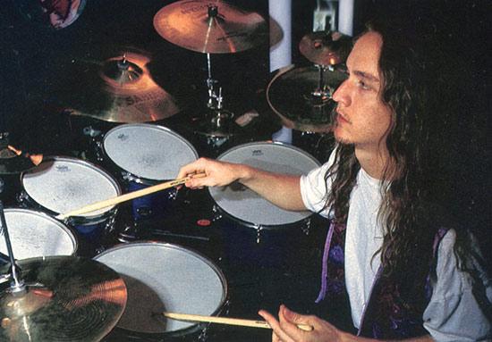 Lars Ulrich - DRUMMERWORLD