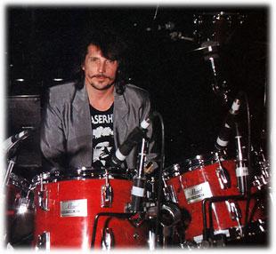 Drummerworld Richie Hayward