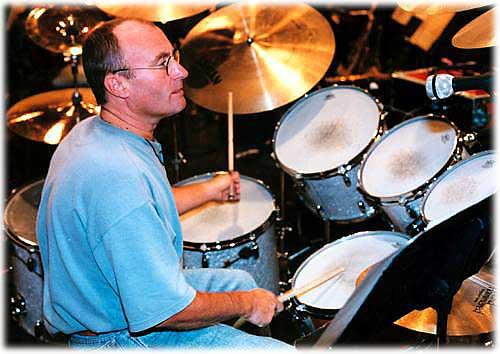 http://www.drummerworld.com/pics/drum/drummerpictures7/phil%20Collins1.jpg