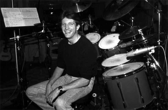 Bob Thomas Ford >> Drummerworld: Tom Brechtlein