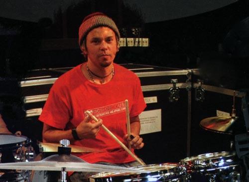 <br/>Bryan Mantiaou Brain est le batteur du groupe de 1999 à 2005.