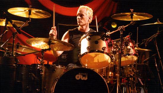 <br/>Josh Freese né le 25 décembre 1972 à Orlando en Floride il est batteur du groupe...