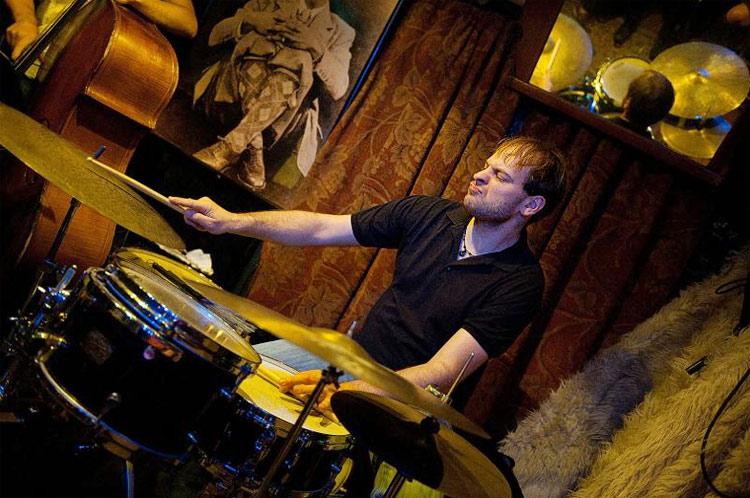 Drummerworld ari hoenig for Christian hoenig