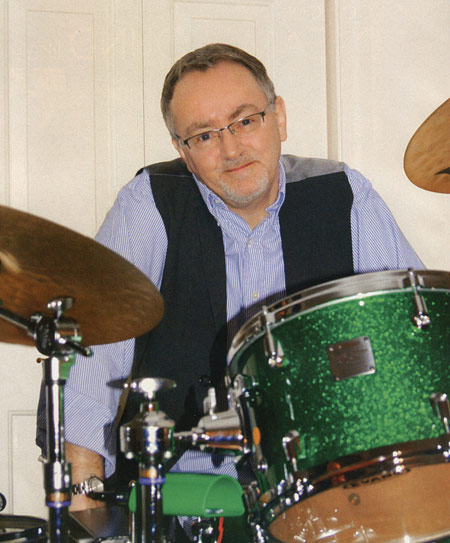 Dave Mattacks - DRUMMERWORLD