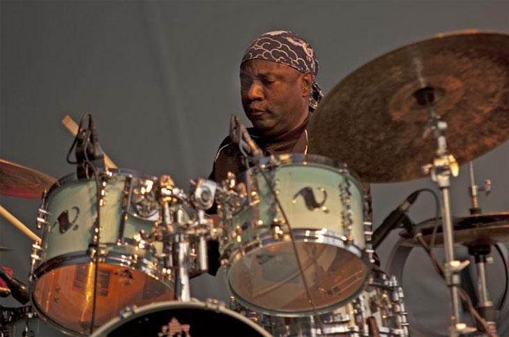 Drummerworld Lenny White